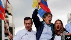 La firma Cedatos pronostica que el aspirante conservador, quien recibió el apoyo de otros líderes de la oposición, superaría al oficialista Lenín Moreno, remontando los 11 puntos de diferencia que los separaron en la primera vuelta.