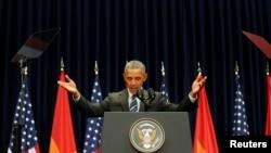 Nan yon diskou Prezidan Obama te fè madi, 2èm jou vizit li a, li te di lidè vyetnamyen yo si yo respekte dwamoun, sa pap poze menas pou rejim kominis yo a.