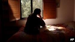 La violencia doméstica es una de las causas que motivaron las Visas U, con el objetivo de que las víctimas puedan ayudar a la policía sin temor a ser deportadas.