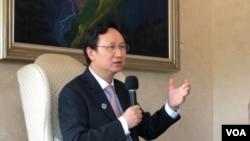 台湾侨务委员会委员长童振源2021年9月9日在华盛顿双橡园举行记者会(美国之音锺辰芳拍摄)