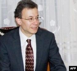 Daniel Rozenblum (Rosenblum) AQShning har yili Yevropa va Yevrosiyo davlatlariga beradigan yordami uchun javobgar