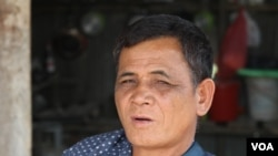An Ruon, one of the land disputers, said the late Tuy Sros was beaten to unconsciousness by the military police, Banteay Meanchey, Cambodia, January 20, 2020. (Sun Narin/VOA Khmer)