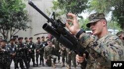 رهبران آمريکا و ژاپن موافقتنامه کاهش حضور نظامی آمريکا در اوکيناوا را امضا کردند