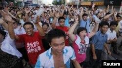 当地居民7月28日游行,反对建设排污管道