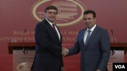 Zamenik pomoćnika državnog sekretara SAD Metju Palmer i premijer Makedonije Zoran Zaev, tokom sastanka u Skoplju, Makedonija, 22. oktobra 2018.