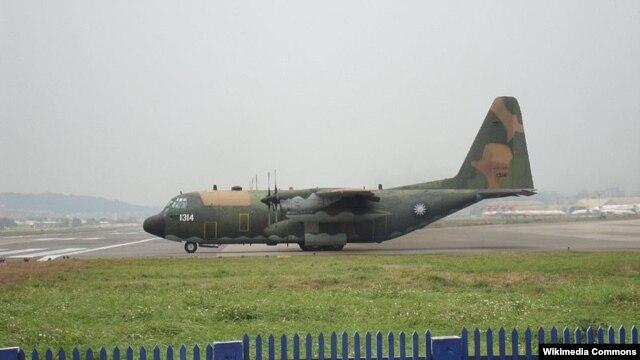 Máy bay vận tải C-130H của Ðài Loan thực hiện các chuyến bay thường xuyên đến đảo Ba Bình. Chính quyền Đài Loan đang xét tới việc mở rộng đường băng trên đảo Ba Bình, hòn đảo lớn nhất trên quần đảo Trường Sa