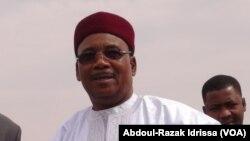 Mohamadou Issoufou à Niamey, Niger, le 28 février 2017. (VOA/Abdoul-Razak Idrissa)