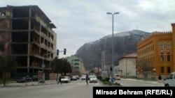Mostar, dio gdje je bila ratna linija podjele grada, mart 2013., foto: Mirsad Behram