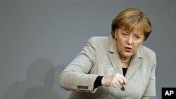 Μέρκελ: Η διαδικασία της πλήρους «οικονομικής ένωσης» της Ευρώπης θα διαρκέσει χρόνια
