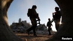 Cảnh sát biên giới Israel đang làm nhiệm vụ tại làng Qalandia, gần Ramallah, Bờ Tây, ngày 26/7/2016.