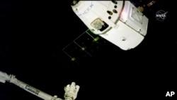 Tres de los ocupantes de estación espacial estarán allí en Navidad; los otros tres regresarán el 20 de diciembre.