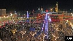 Suasana perayaan Natal di dekat gereja Nativity di Bethlehem, Tepi Barat, 24 Desember 2011 (Foto: dok).