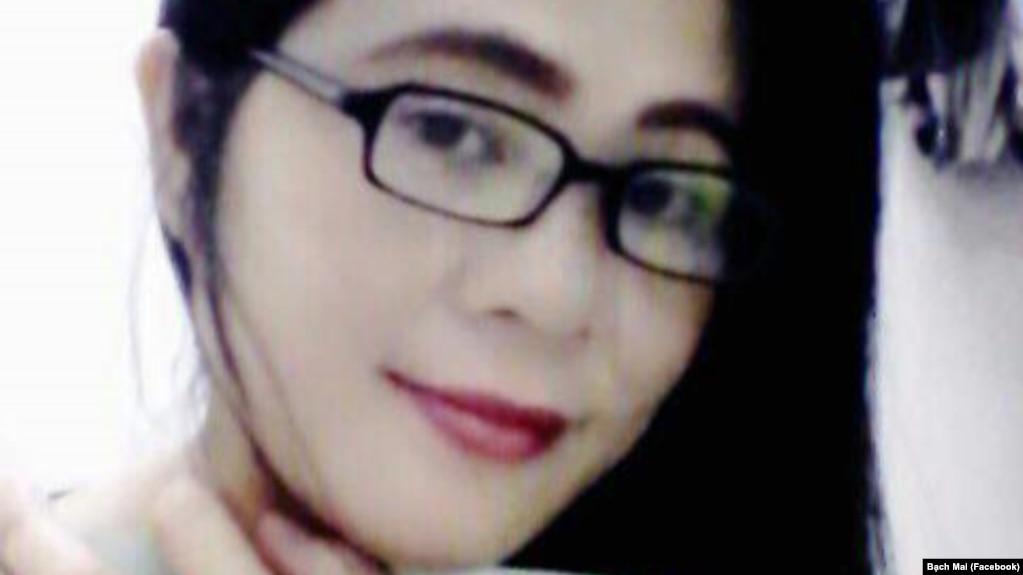 """Ngay buổi sáng ngày xảy ra vụ """"tự sát"""", bà Mai gọi điện thoại về gia đình nói nhớ các con và muốn về Việt Nam thăm con."""