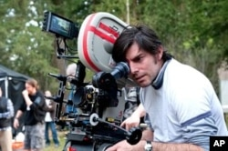 Director Chris Weitz on the set of the movie