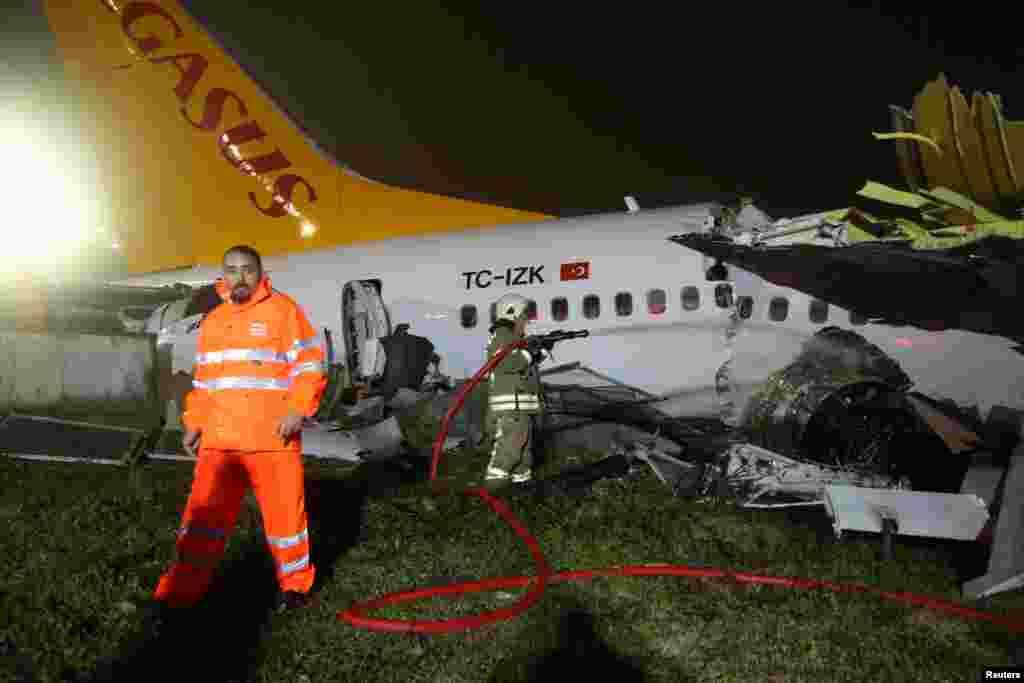 متاثرہ طیارے کا تعلق پیگاسس ایئر لائنز سے تھا۔ حادثے کے فوری بعد آگ بجھانے والے عملے نے اپنا کام شروع کر دیا۔