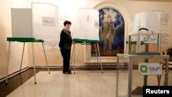 На избирательном участке в Тбилиси в преддверии второго тура президентских выборов