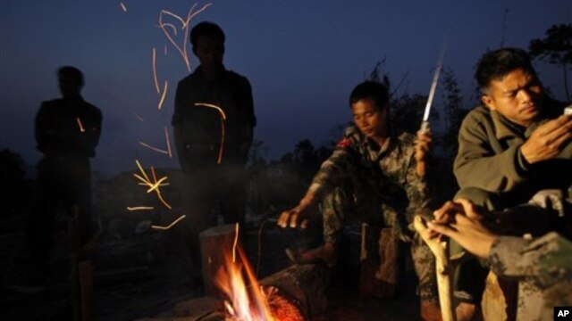 Pemberontak etnis Kachin di Burma (foto: dok). Beijing telah membantah laporan yang menuduh Tiongkok melakukan transfer senjata ke pemberontak di Burma.