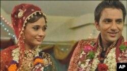 بدائی کی سارہ خان: شادی تنازعات میں الجھ گئی