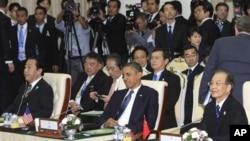 日本首相野田佳彦、美国总统奥巴马和中国总理温家宝11月20日在东盟峰会上