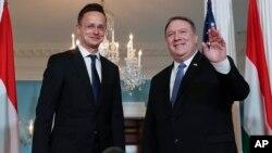 Госсекретарь США Майк Помпео и министр иностранных дел Венгрии Питер Сжижарто. Вашингтон, США. 30 мая 2018 г.