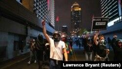 Protes di Louisville Terkait Kasus Breonna Taylor Masuki Malam Kedua
