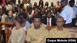 Activistas no julgamento