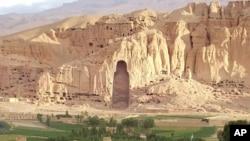 دومجسمه عظیم بودا به نام های صلصال ۵۵ متره وشهمامه ۳۵ متره درسال ۱۳۷۹ خورشیدی توسط رژیم طالبان تخریب شد.