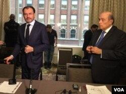 Canciller de México, Luis Videgaray (i) y Hugo de Zela diplomático peruano, previo a reunión en Nueva York del Grupo de Lima que discutirá la situación de Venezuela. Foto: Natalia Ardanza, VOA.