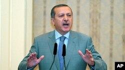 Ο Ρετσέπ Ταγίπ Ερντογάν προειδοποιεί για εμφύλιο πόλεμο στη Συρία
