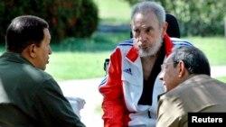 Uqo Çavezin Venesuelada həyata keçirdiyi siyasi dəyişikliklərin ilham mənbəyi Kubada on illərdir hökmranlıq edən Kastro qardaşlarının rejimi olub.