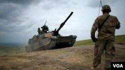 ამერიკული M1 Abrams ორფოლოში