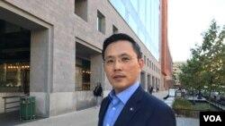 美国智库台美研究中心执行长陈以信2019年9月25日接受美国之音采访(美国之音钟辰芳拍摄)