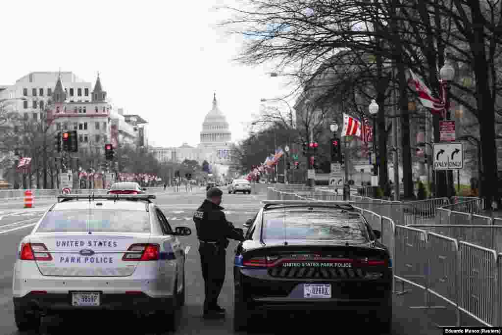 Поліцейські на Пенсильванія-авеню. 17 січня.