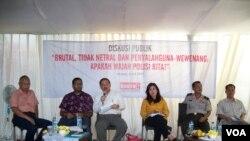 Diskusi mengenai kinerja polisi Indonesia yang diadakan oleh KontraS. (Photo: VOA)