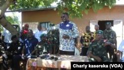 Julien Paluku Kahongya, gouverneur du Nord-Kivu, est venu rendre visite aux habitants.