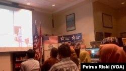 Sejumlah jurnalis mengikuti diskusi mengenai media dan kebebasan pers di MyAmerica di Kantor Konsulat Jenderal AS di Surabaya.