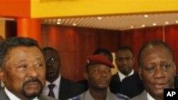 Alassane Ouattara avec Jean Ping, président de la commission de l'UA