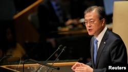 문재인 한국 대통령이 24일 뉴욕 유엔본부에서 열린 제74차 유엔총회에서 기조연설을 했다.