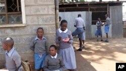 L'initiative DREAMS vise à protéger les jeunes filles, qui sont particulièrement pénalisées par le VIH/Sida (AP)