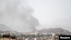 دود ناشی از حمله هوایی در صنعا - ۲ فروردین ۱۳۹۷