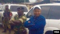Lt. Col Darius Ikurakure uri hagati