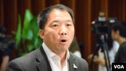 香港民主黨主席胡志偉 (美國之音湯惠芸拍攝)