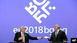 Predsednik Evropske komisije Žan-Klod Junker i premijer Bugarske Bojko Borisov na zajedničkoj konferenciji za novinare u Sofiji, 12. januar 2018.
