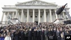 Skup podrške žrtvama iz Tucsona na stubama Capitol Hilla