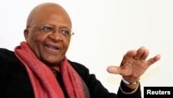 Mantan Uskup Agung Afrika Selatan sekaligus peraih Hadiah Nobel Perdamaian, Desmond Tutu.