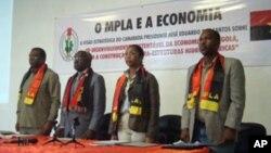 Segunda da direita à esquerda, ministra angolana da Energia e Águas, engenheira Emanuela Vieira Lopes