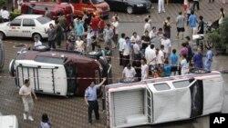 8月19日在深圳的反日遊行中﹐日本品牌的汽車遭掀翻。