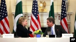 Hillary Clinton meets with Shah Mehmood Qureshi in Washington on March 24, 2010.