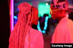 رفیکی، فیلمی از کنیا در بخش مسابقه، که دولت کنیا نمایش آن را ممنوع کرد