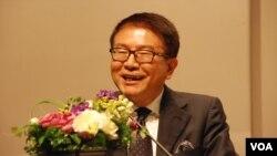 民進黨前立法委員洪奇昌認為,現階段民進黨不太可能與中國共產黨建立有建設性的 溝通渠道